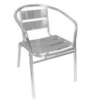 Chaises inox et aluminium